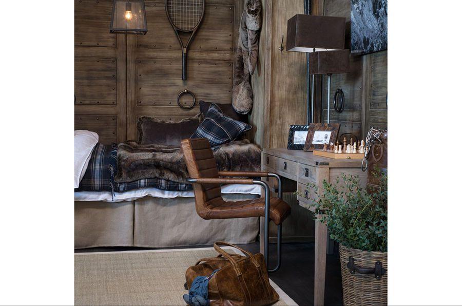 Artwood ruskea tekoturkistyyny | SisustaUlkona.fi