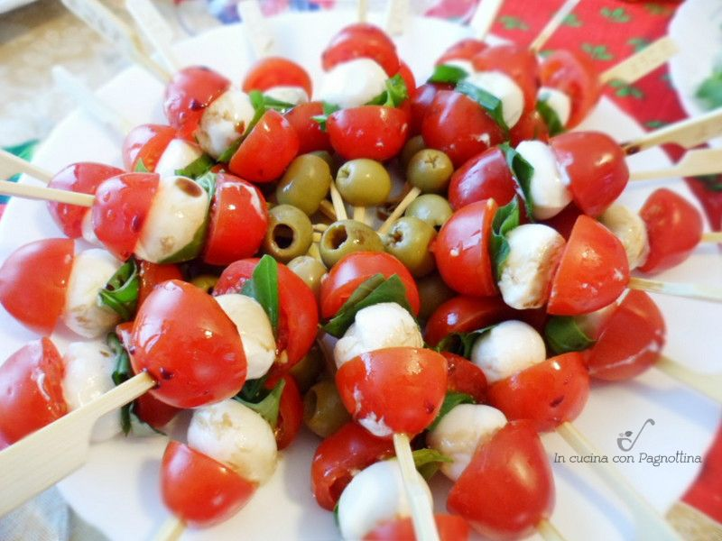 Spiedini tricolore ricette facili food finger foods e salad