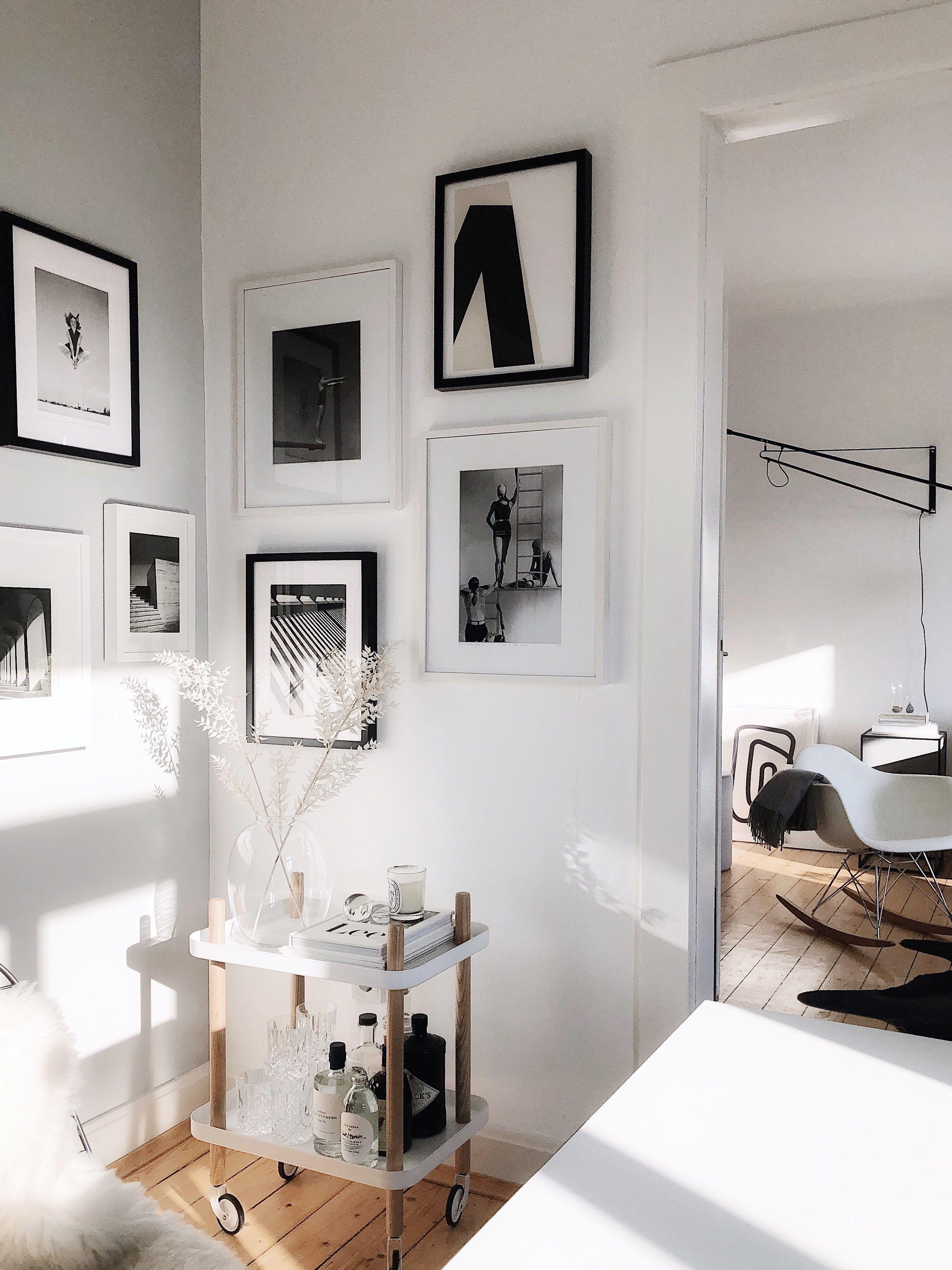 Bilder Aufhängen So Geht S Richtig Connox Magazine Bilder Aufhängen Wohnung Gestalten Altbau Wohnzimmer