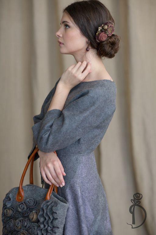 Купить или заказать Валяное платье «AUTUMN IN NEW YORK» в интернет магазине на Ярмарке Мастеров. С доставкой по России и СНГ. Материалы: шерсть, натуральный шёлк. Размер: 42-44 #autumninnewyork