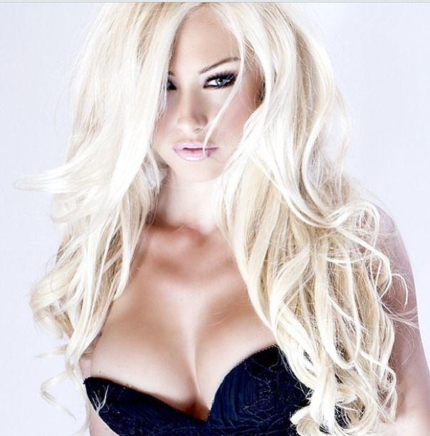 Hot blonde bimbo milf mature