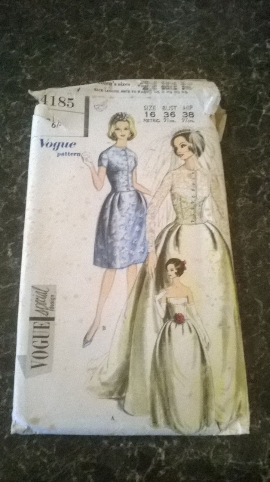 Vintage vogue wedding dress sewing pattern. 36 inch bust