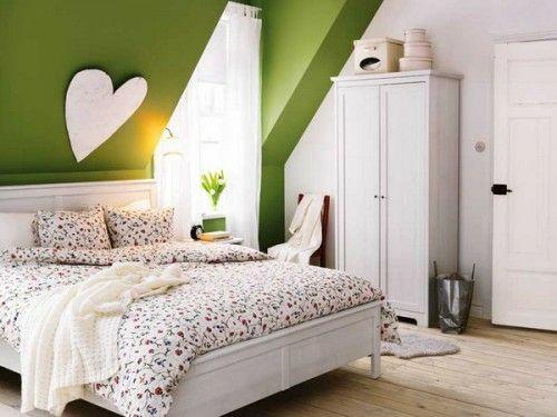 Grasgrün Wand Schlafzimmer Dachgeschoss Idee Herz Dekoration ... Schlafzimmer Ideen Schrge Wnde
