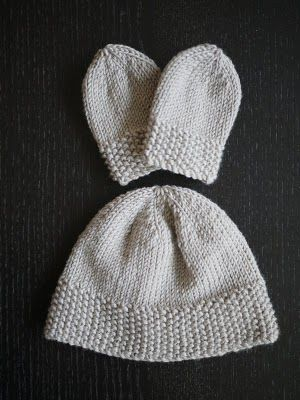 The Mucky MacBook: Knitting for newborns: Simple hat and mitts set ...
