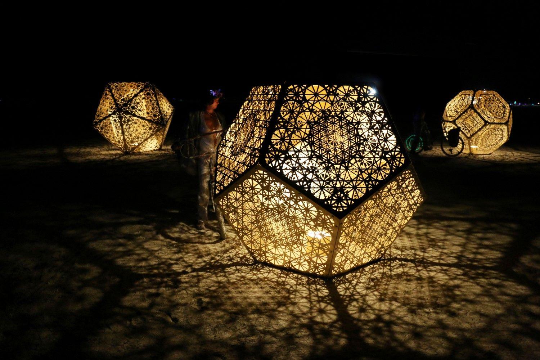 HYBYCOZO Burning Man Art Design Sacred Geometry Interior - Carved wood lace like lighting design inspired islamic decoration patterns
