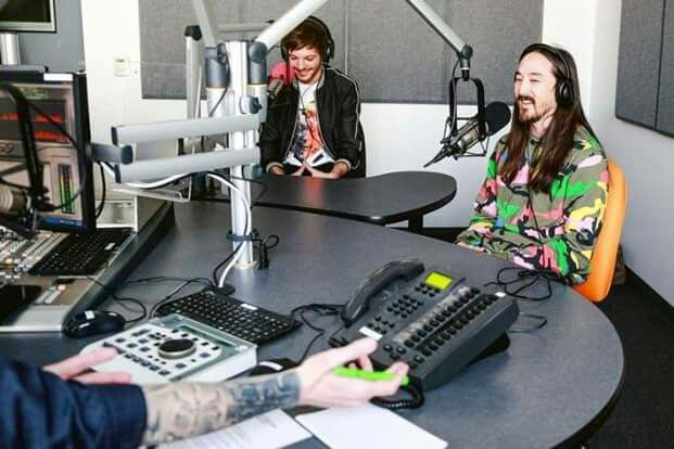 Louis and Steve Aoki during their 102.7 KIIS FM interview. 1-19-17