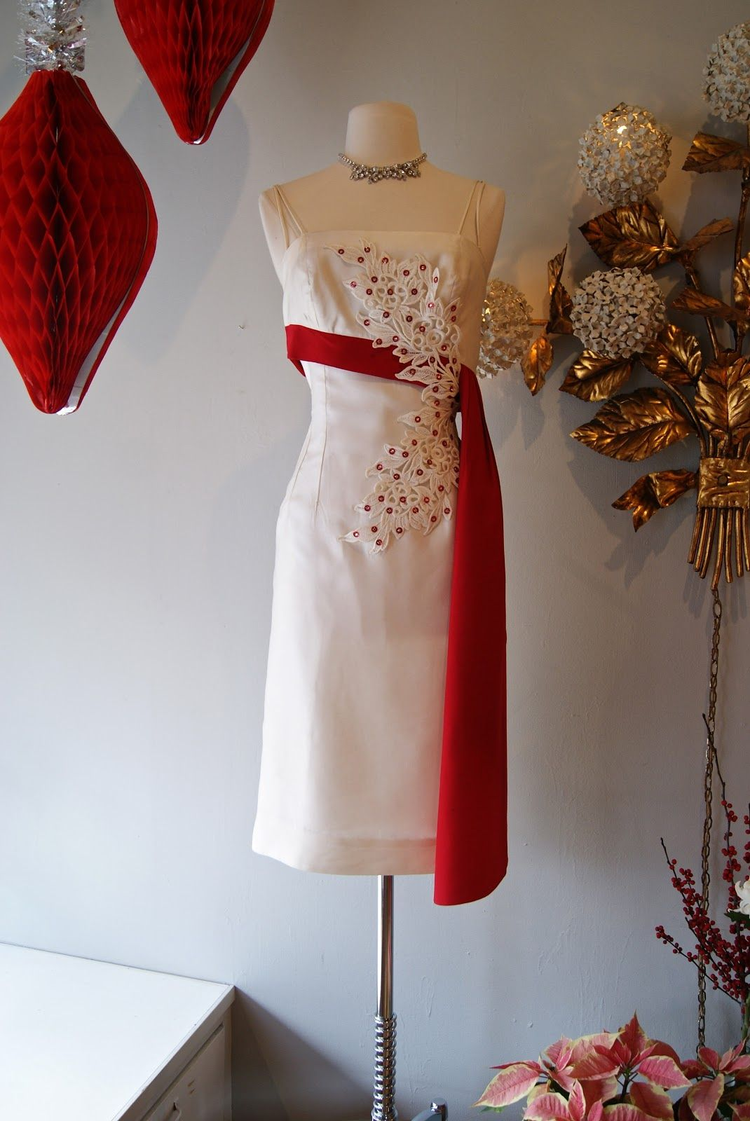 Best dresses to wear to a beach wedding  Xtabay Vintage Clothing Boutique  Portland Oregon My Top Ten