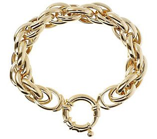 The versatile boldness of this oval link bracelet beautifully accents everyday looks and outfits for special occasions. From Arte d'Argento® Sterling Silver Jewelry.