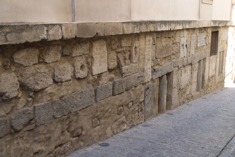 fachada lateral del ayuntamiento de Martos