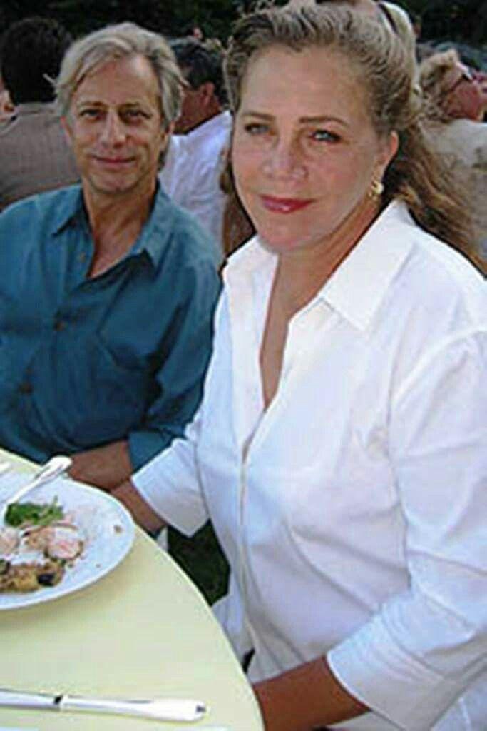 Kathleen Turner con Single