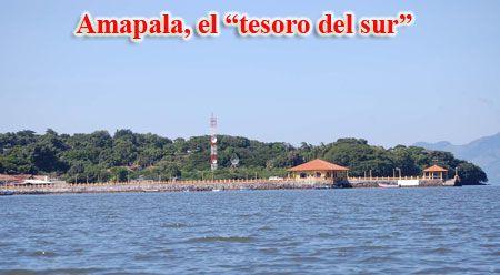 El puerto de Amapala, cabecera del municipio del mismo nombre, está ubicado en la Isla del Tigre. El municipio lo componen cerca de 30 islas ubicadas en el Golfo de Fonseca. posee suelos volcánicos de grandes piedras, playas de arena negra y un clima muy calido.