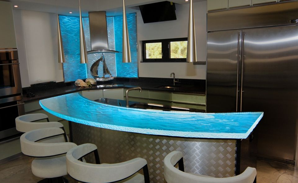 Inner Glow ThinkGlass Versatile Countertop Design : Cool Illuminated Vaga  Crystal Polished Glass Countertop With LEDs