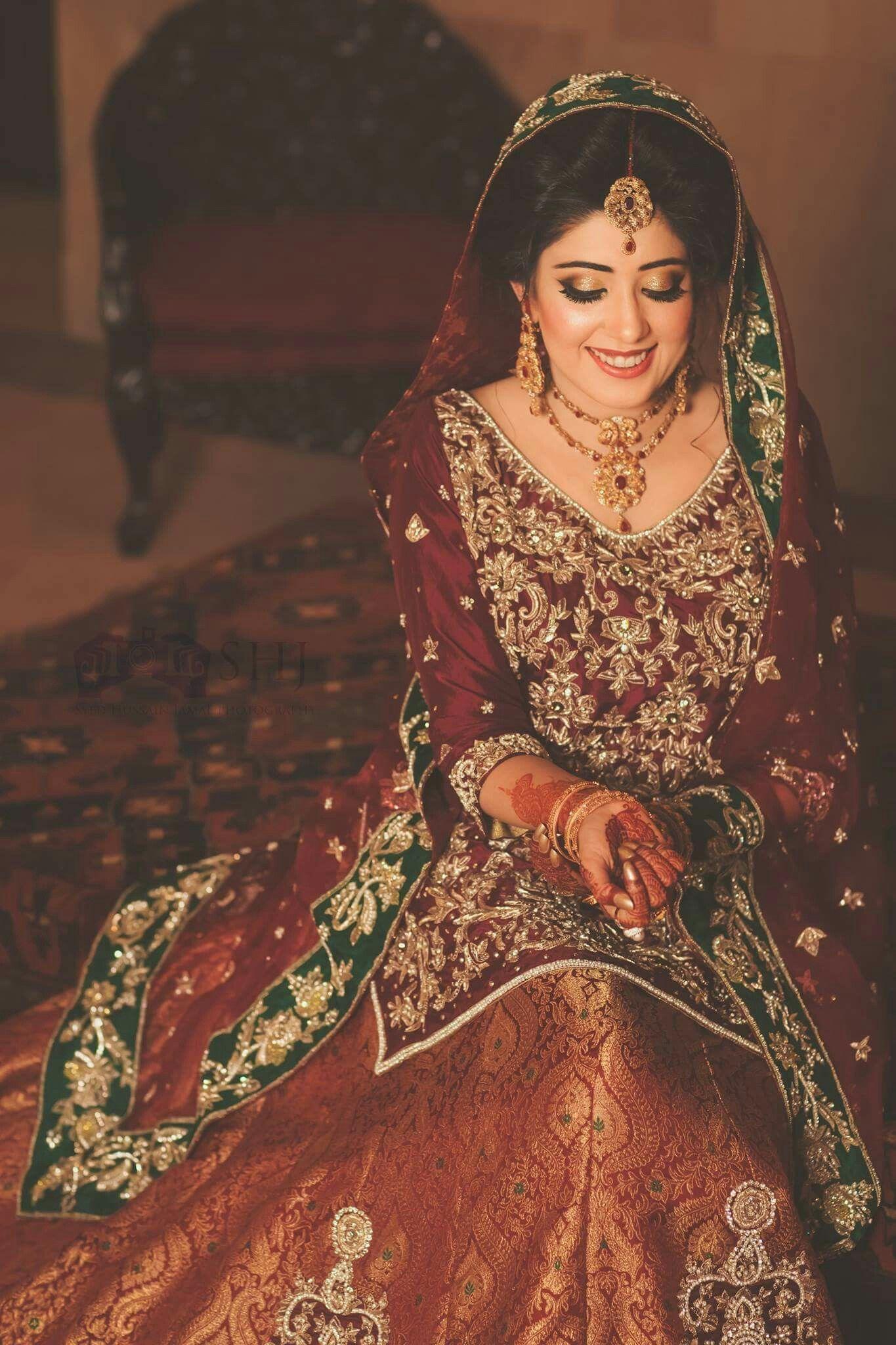 Pin von Hadia Zareef auf Barat day dresses | Pinterest
