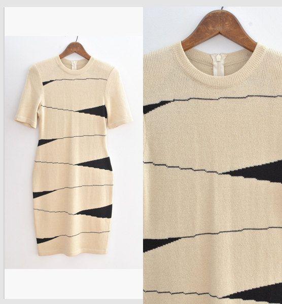 Vintage 1980s Dress Cream + Black Zig Zag Illusion Sheath Dress  #vintage #vintagedress
