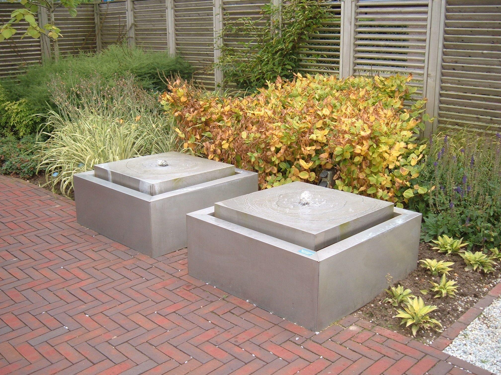 Rvs watertafel water in de tuin pinterest rvs water en tuin - Bassin tuin ontwerp ...
