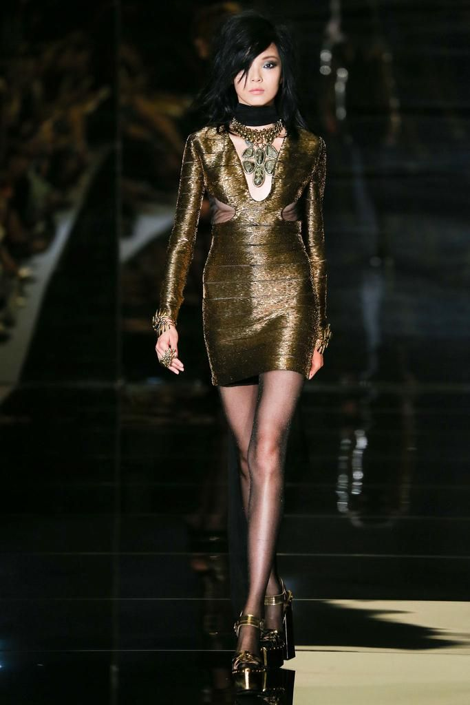 Tom Ford Spring 2015 Ready-to-Wear - Collection - Gallery - Look 1 -  Style.com JEWELRY 6ce4ecafc617