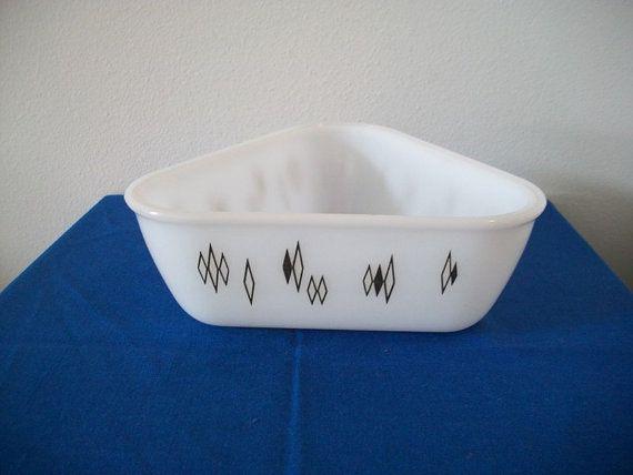 Vintage Inland Glass Triangle Casserole Baking Dish 1958