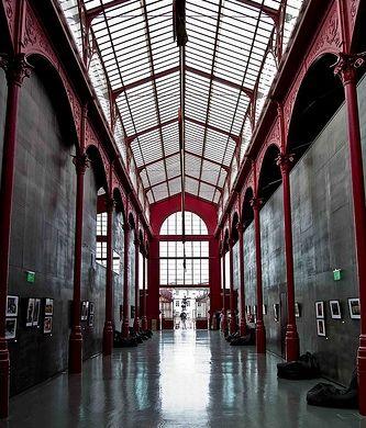 The Mercado Ferreira Borges, São Nicolau area, Porto. HardClub / alternative music hall. Photo Francisco Restivo, 2011.