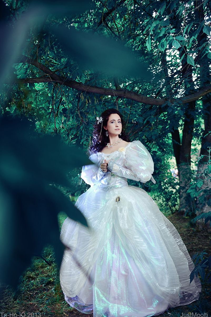 Sarah Williams - Labyrinth Ballroom Dress by *adelhaid on ... Labyrinth Movie Sarah Dress