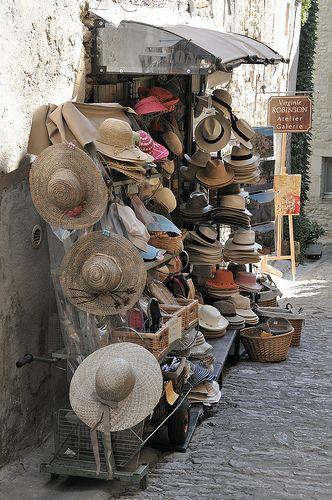 Hat Shop, Gordes, Provence-Alpes-Cote d'Azur, France