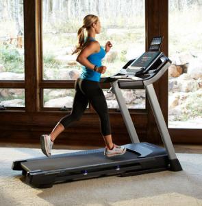 máy chạy bộ điện giá rẻ khi tập Thể dục, Tập thể dục và