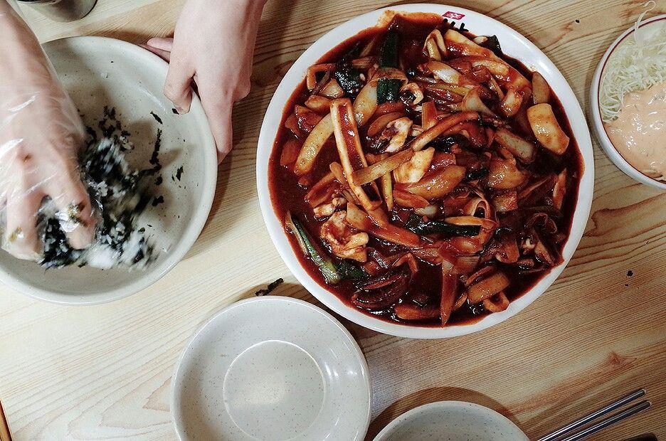 오징어볶음, 주먹밥, 팔당닭발 www.blog.naver.com/jonnyive
