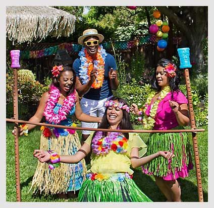 7 Funtastic Birthday Party Decoration Ideas for Adults #tropicalbirthdayparty