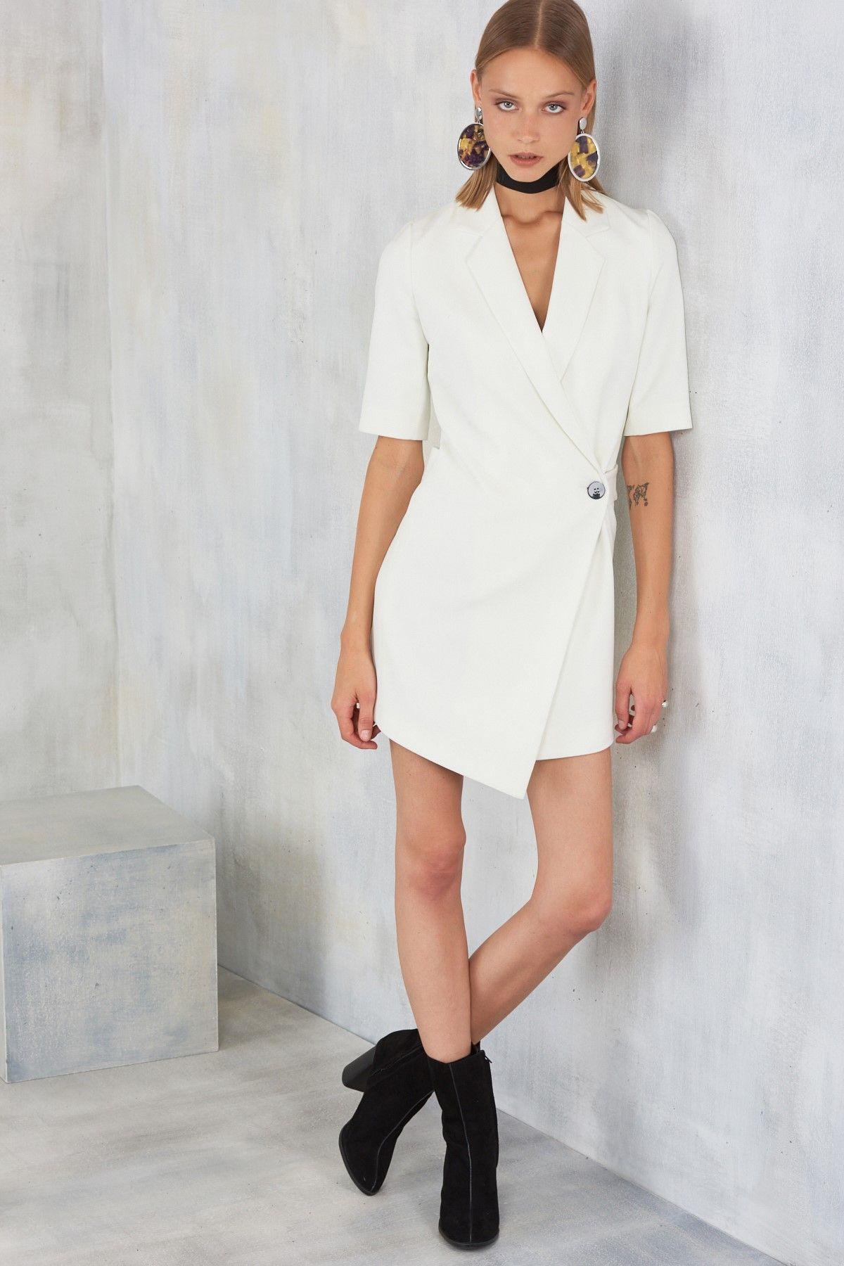 Beyaz Onden Tek Dugmeli Ceket Elbise Mlwaw17fz4969 Trendyolmilla Trendyol Moda Stilleri Elbise Modelleri Siyah Elbise