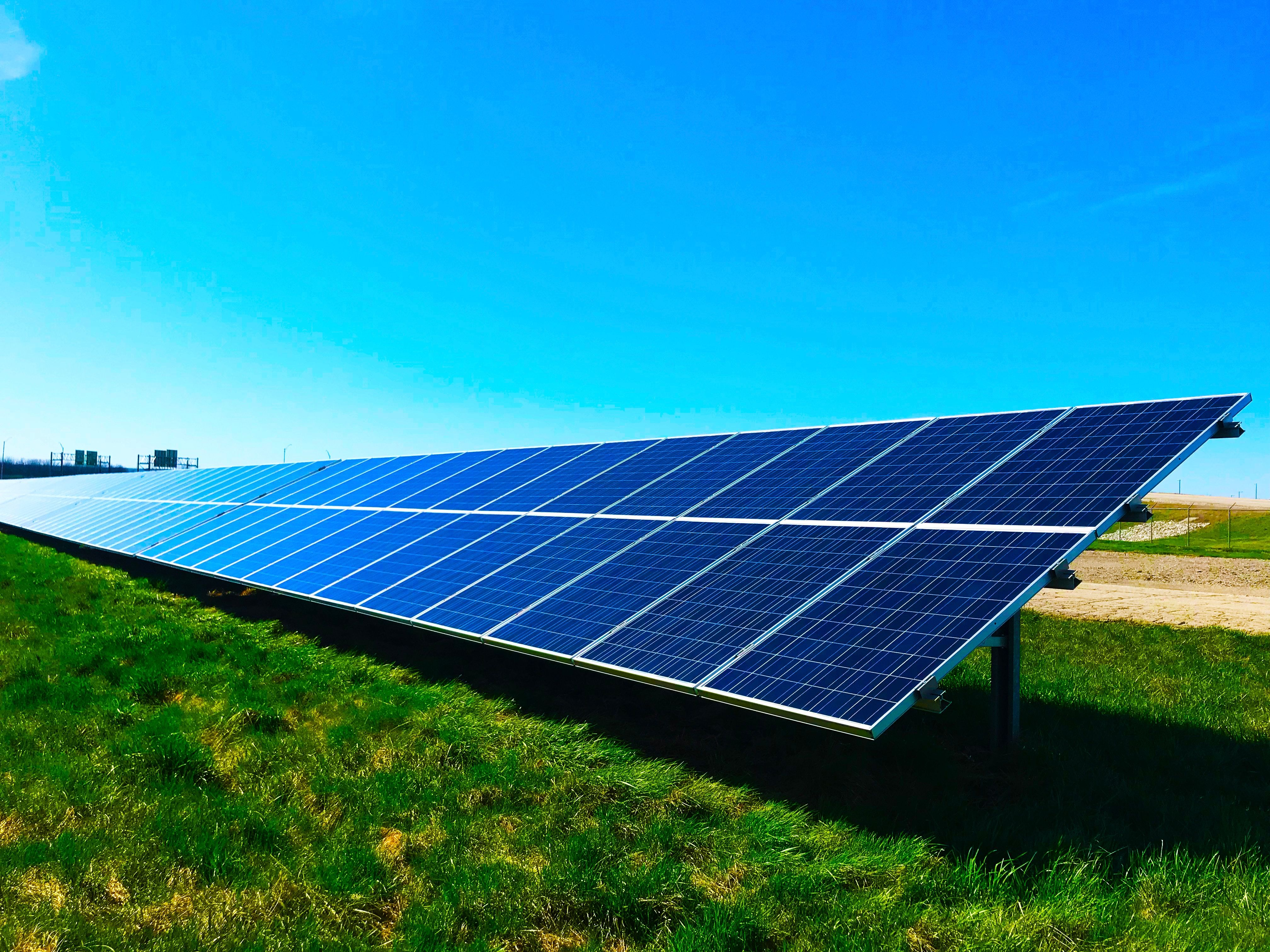 5 Smart Reasons To Use Solar Power Solarpower Solar Sustainable Solar Panels Solar Solar Panel Manufacturers