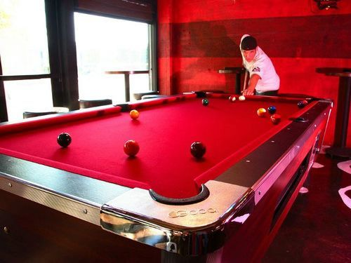 Attractive Modern Red Pool Table1