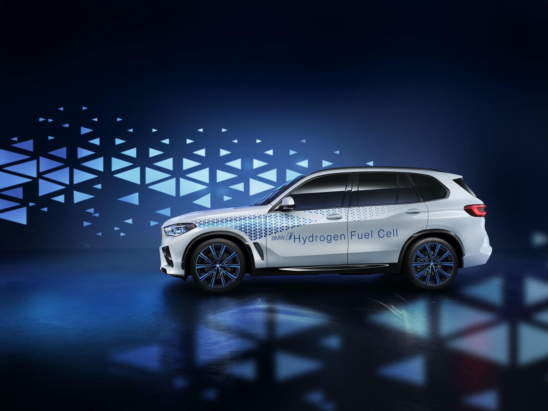 BMW i Hydrogen NEXT coming in 2022 with 368 horsepower in