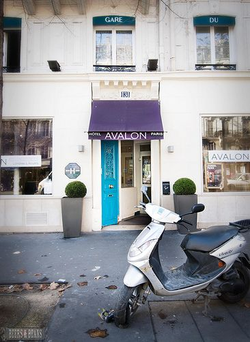 Looking for a great & reasonably priced hotel in Paris? Here's a great hotel with a boutique vibe in a fantastic location! Avalon Hotel in Paris, France