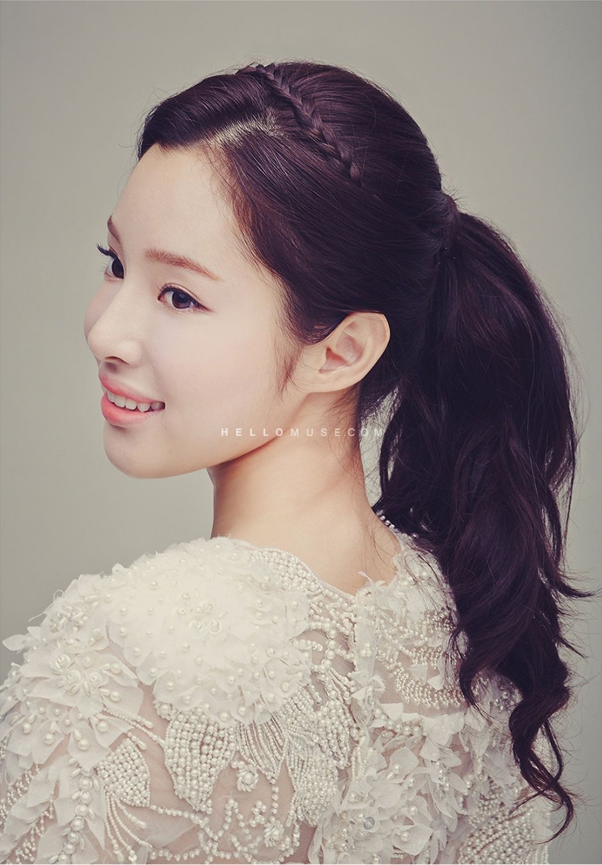 korean wedding hair -- ponytail   far far away -- hair