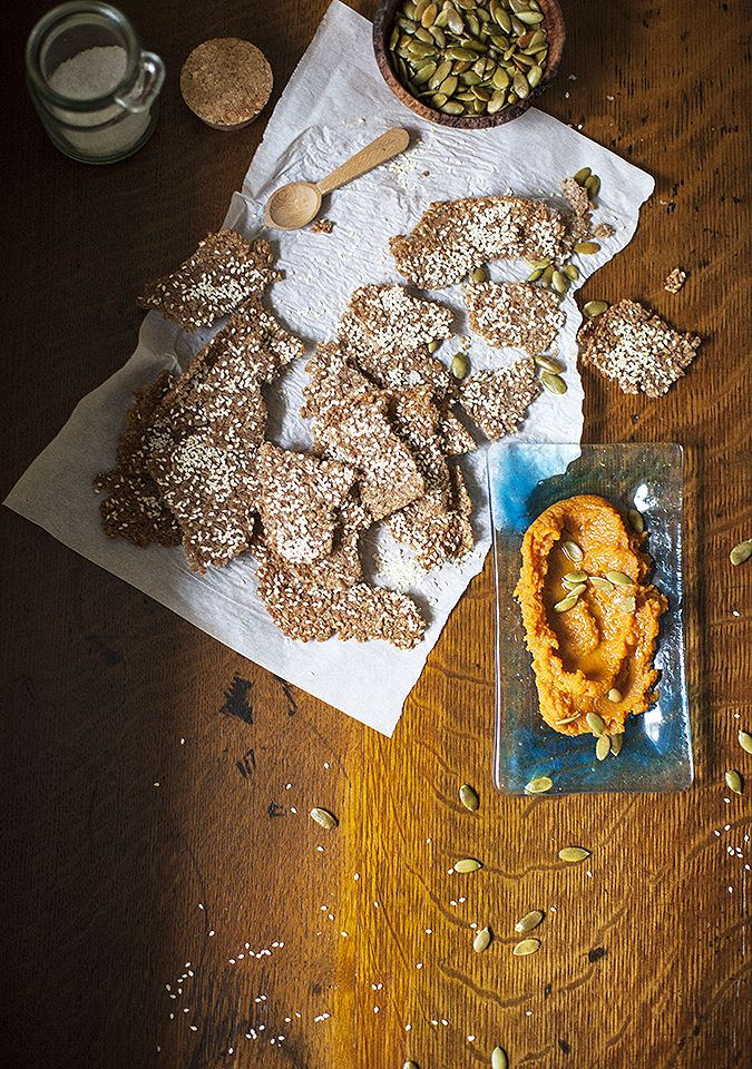 one-ingredient whole grain crackers with pumpkin hummus