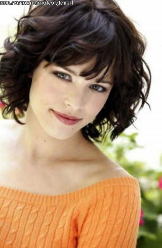 Short Hairstyles For Curly Hair And Heart Shaped Face Short Wavy Hair Short Wavy Haircuts Thick Wavy Hair