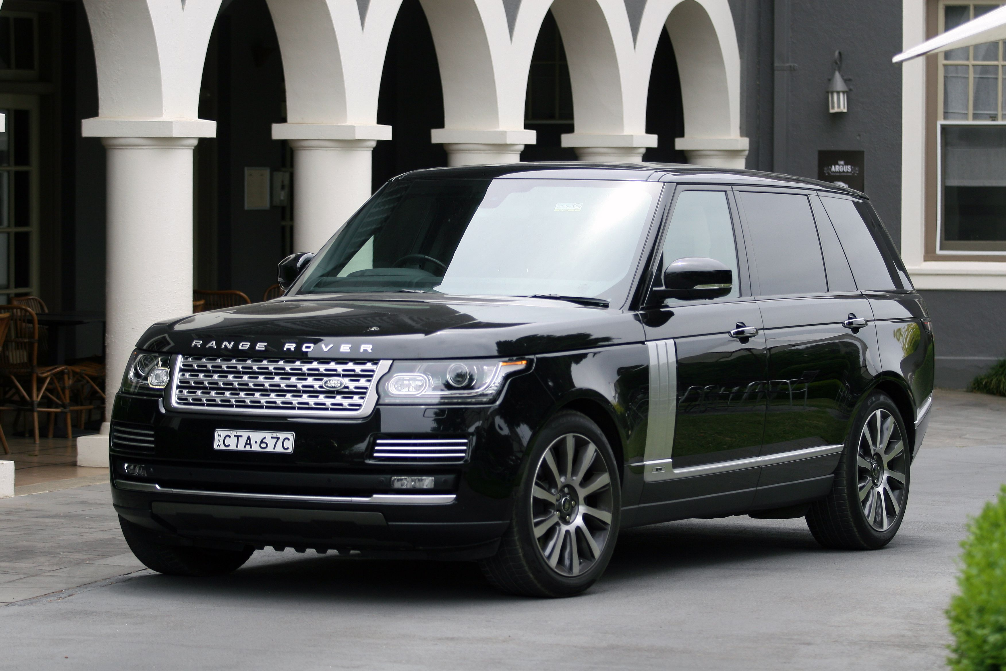 2015 range rover autobiography lwb review luxury travel. Black Bedroom Furniture Sets. Home Design Ideas