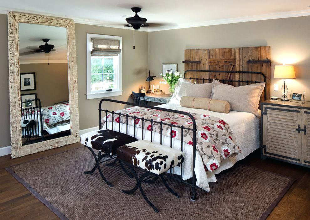 Rustic Metal Bed Framewarm And Comfortable Rustic Modern Farmhouse Bedroom With Black Metal Bed Frame Farmhouse Bedroom Decor Luxurious Bedrooms Bedroom Design