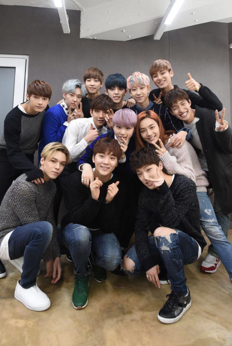 SEVENTEEN [세븐틴] | Group Photo!