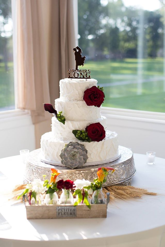 Beautiful Cake Created At Eston S Bakery In Toledo Ohio Photo Taken By Blue Lux Photography