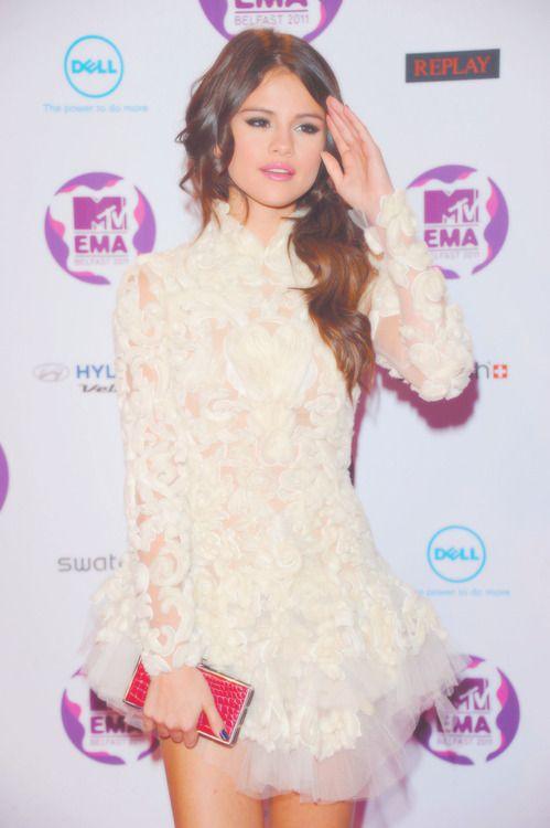 Selena Gomez dress   Fashion: Dress & more   Pinterest