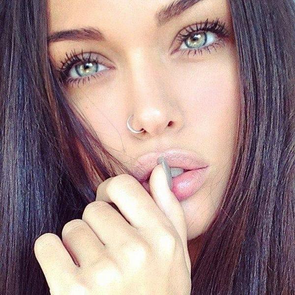 Imagem Relacionada Black Hair Green Eyes Beautiful Eyes