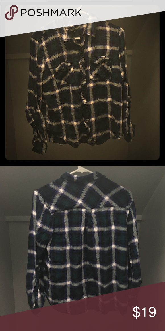 Flannel Dark green plaid flannel, in extremely good condition, HAS NEVER BEEN WORN Charlotte Russe Tops Button Down Shirts