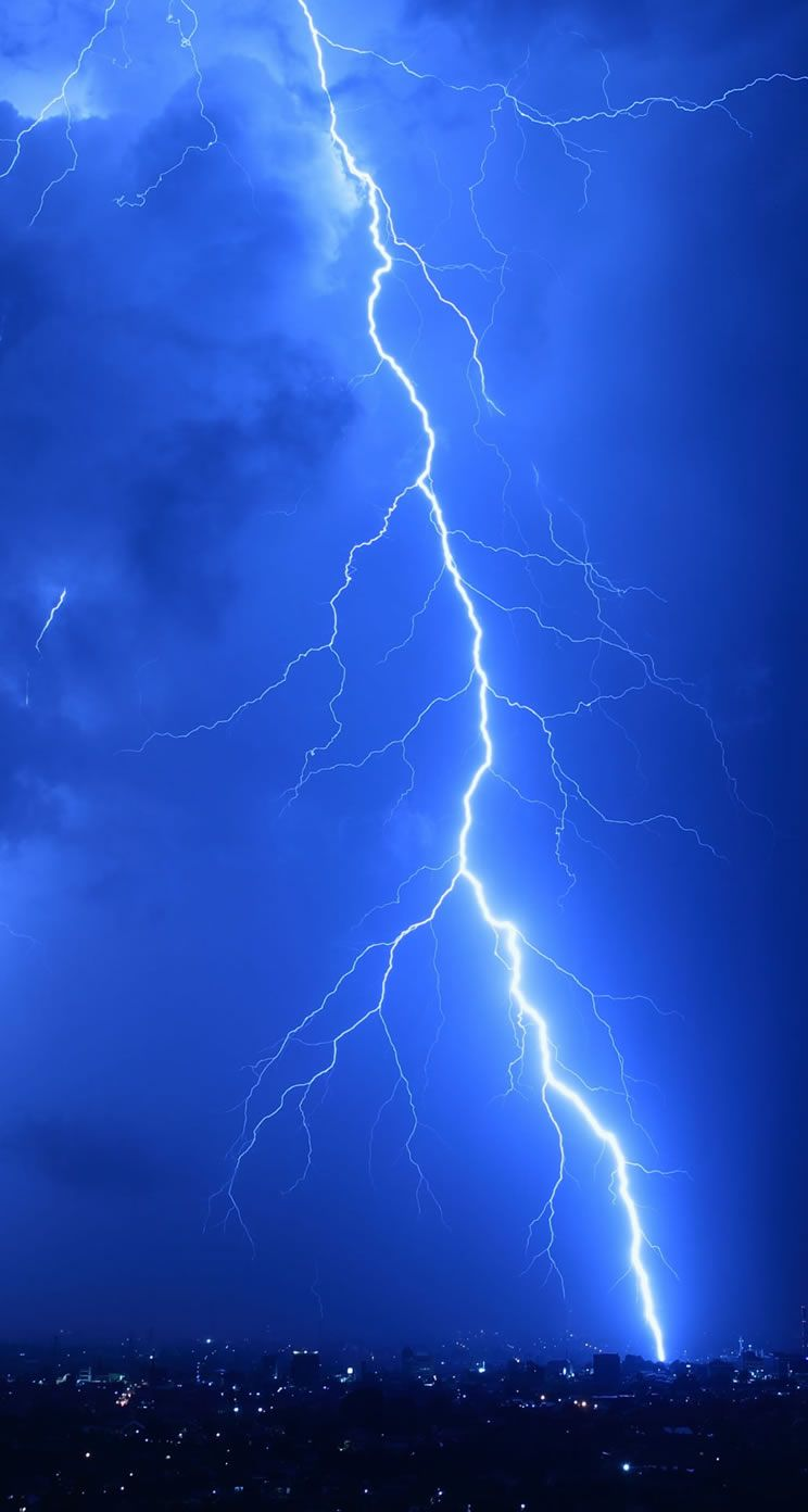 lightning iPhone 5s Wallpapers | iPhone Wallpapers, iPad