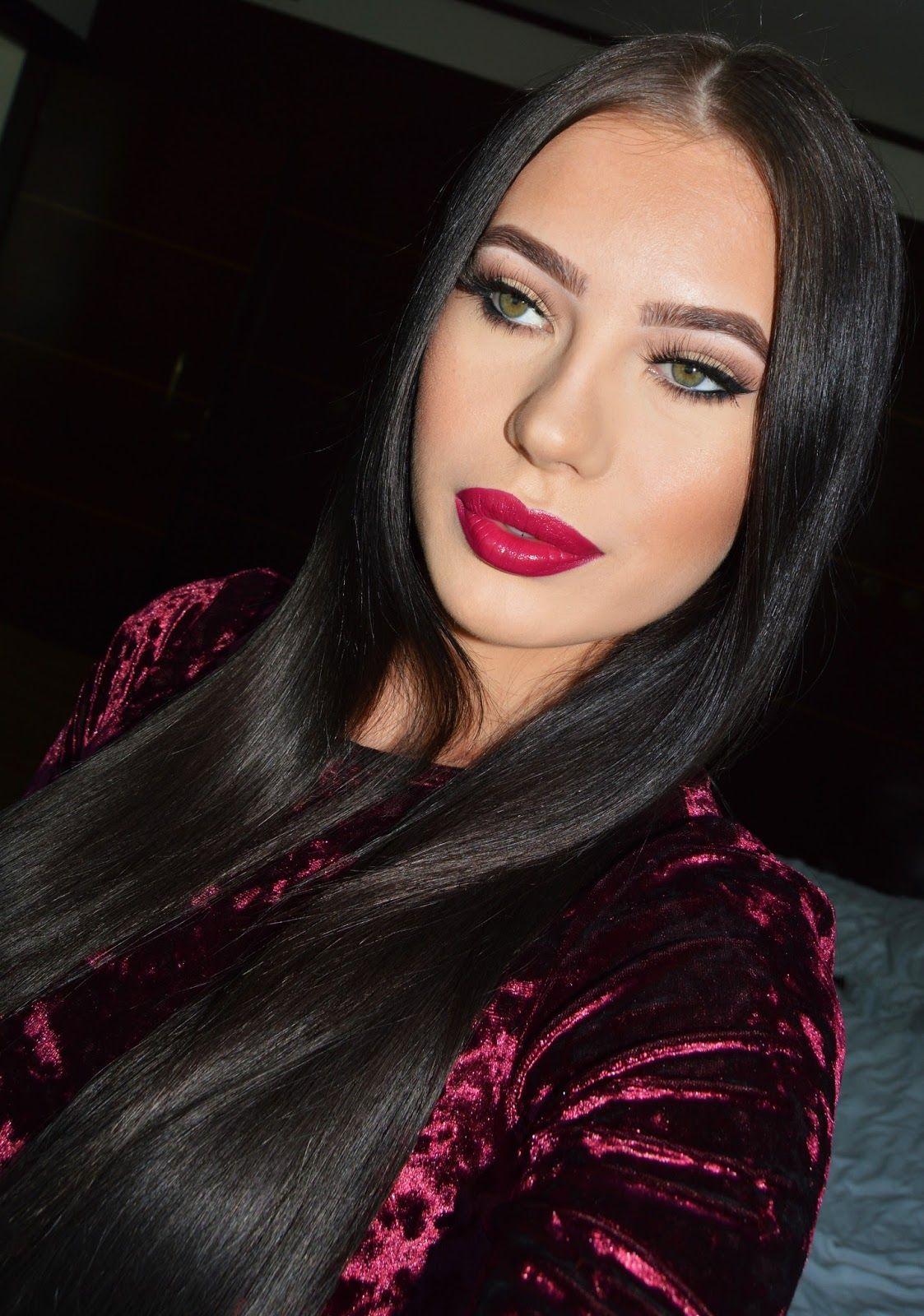 Laura Badura make up