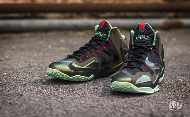 "Nike LeBron 11 ""King's Pride"" Detailed Images 