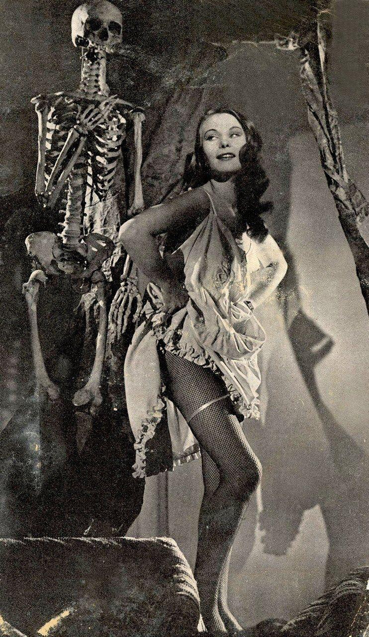 halloween pin-up | witches & halloween | pinterest | vintage