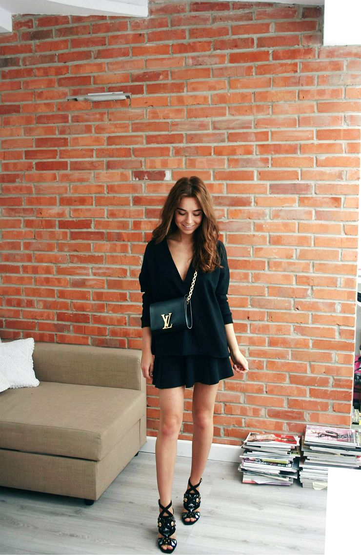 all black outfit with statement bag and shoes