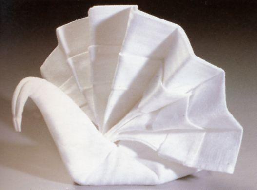Piegare Gli Asciugamani A Forma Di Animale : Piegare asciugamani a cigno: piegare i tovaglioli a forma di cigno