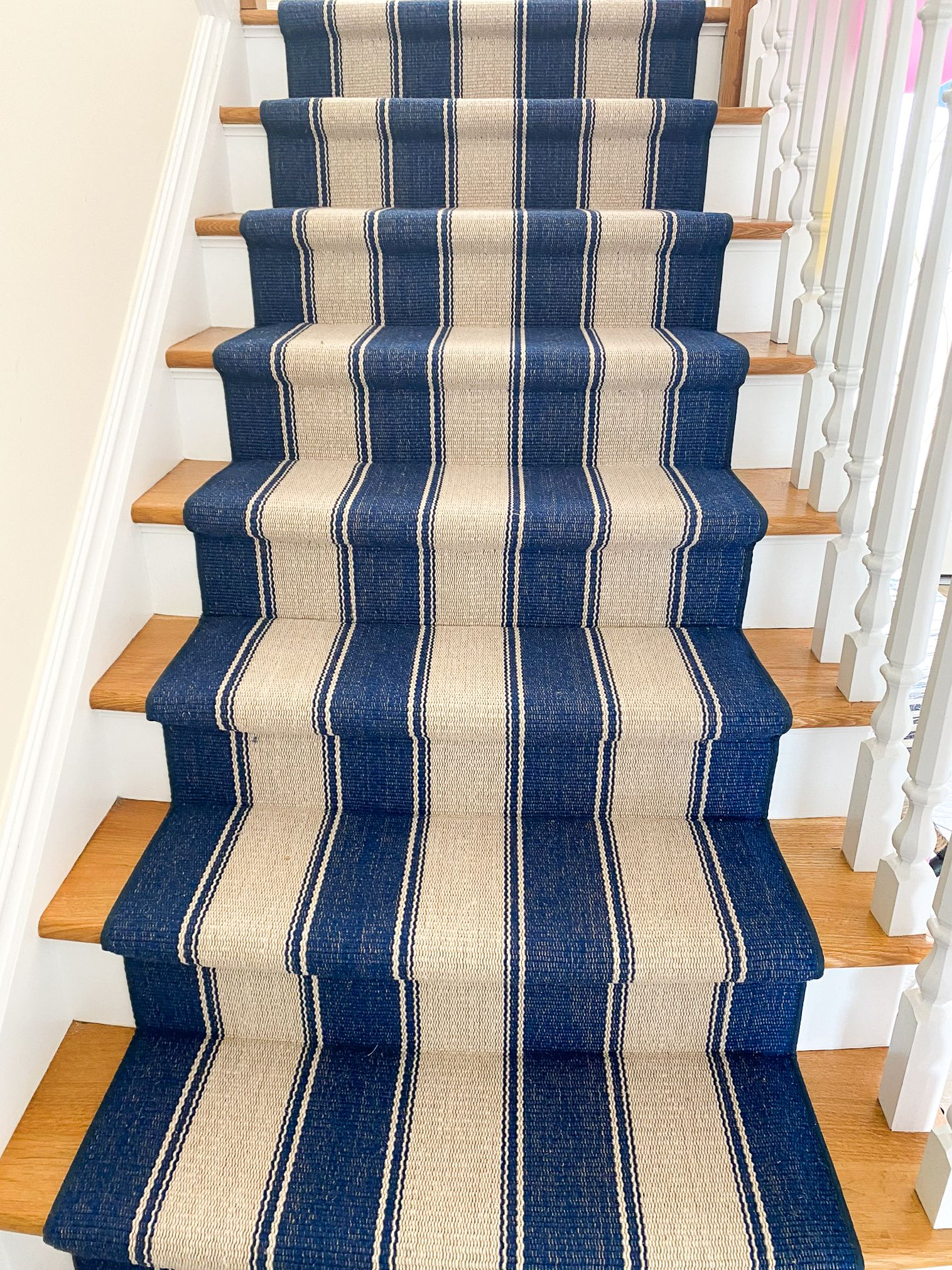 Blue And White Striped Stair Runner In 2020 Stair Runner Striped Carpet Stairs Striped Stair Runner