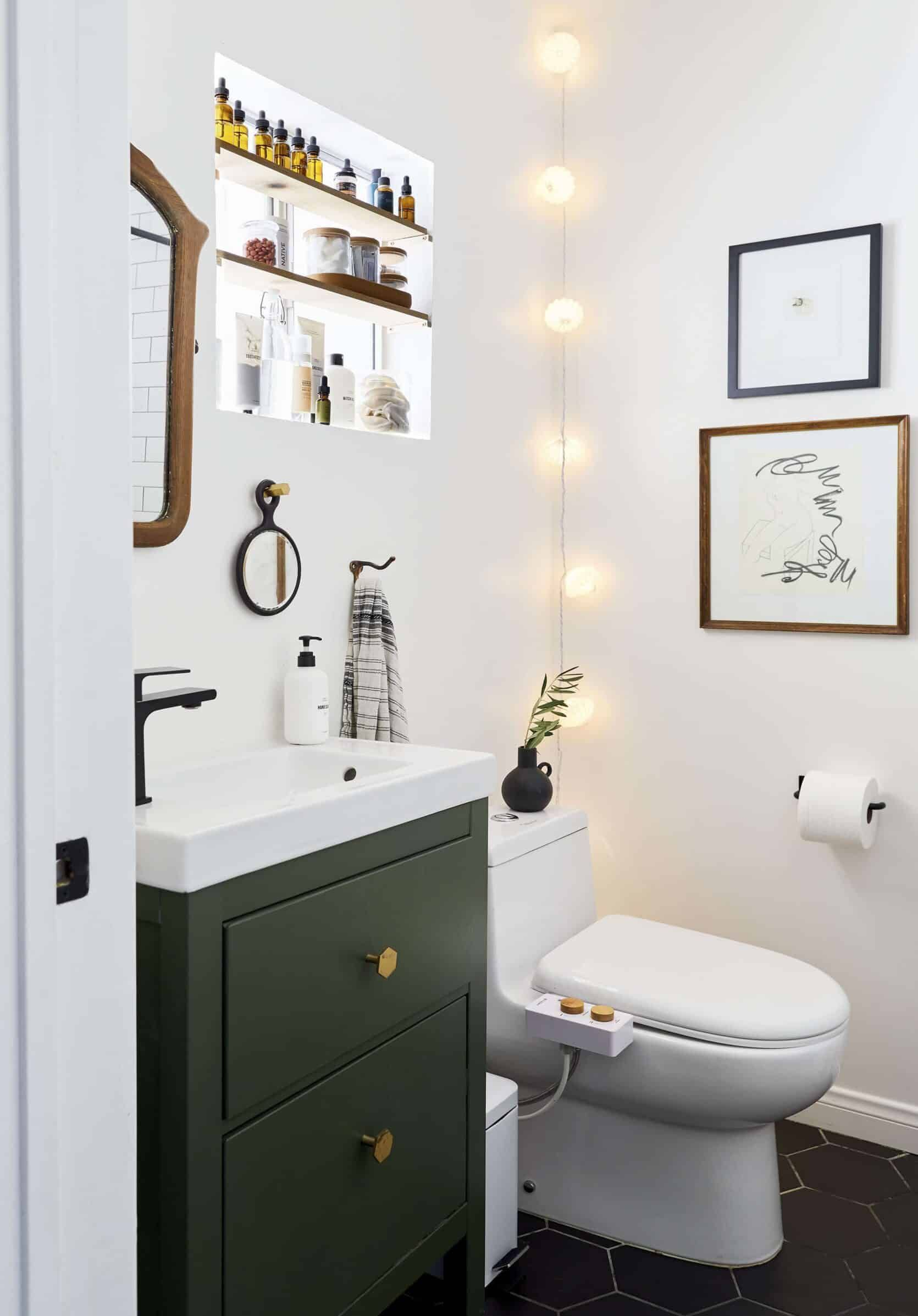 Our Go To Cabinet Hardware Placement 60 Of Our Shoppable Favorites Emily Henderson In 2020 Small Space Hacks Bathroom Interior Small Bathroom
